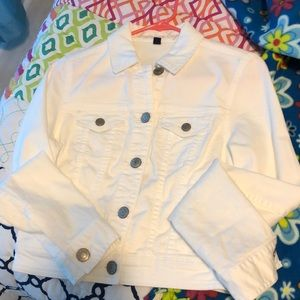 White jean jacket- great for spring!